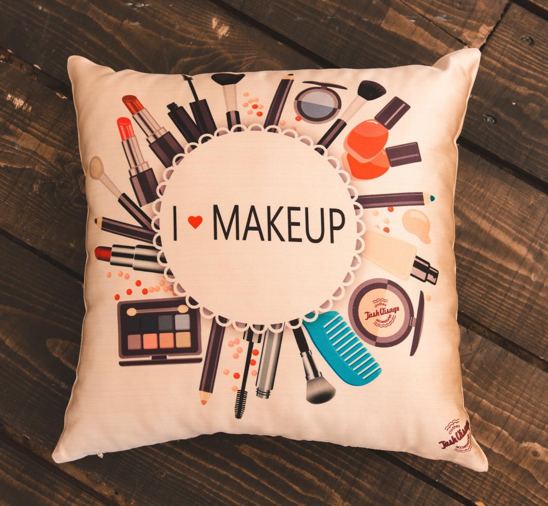 Подушка I love Make up